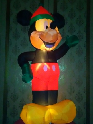 Mickey gets in the Christmas Spirit at a local Sin City gambling House - Royal Hopper