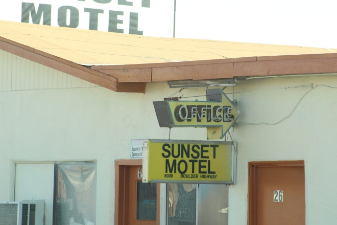 a by the hour hotel.JPG
